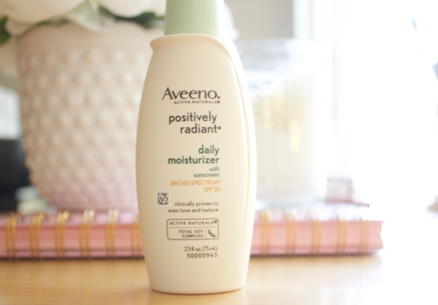 Beauty Buys: Aveeno Positively Radiant Daily Moisturizer